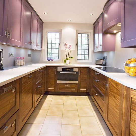 Small Kitchen With Reflective Surfaces: Best Ideas For Small Kitchens