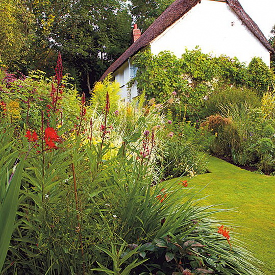 Country garden ideas and designs simple english gardens for Country garden ideas