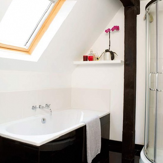Small ideas for small bathrooms ideas for home garden for Small bathroom ideas 2012