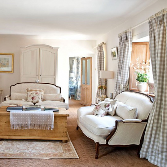 Country living rooms decorating ideas ideas for home for Country french decorating ideas living room