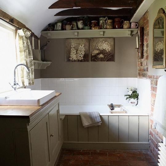French Country Bathroom Flooring: Country Style Bathroom. Brick Floor