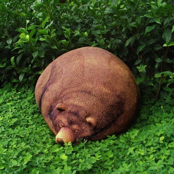 1-big-sleeping-grizzly-bear-bean-bag