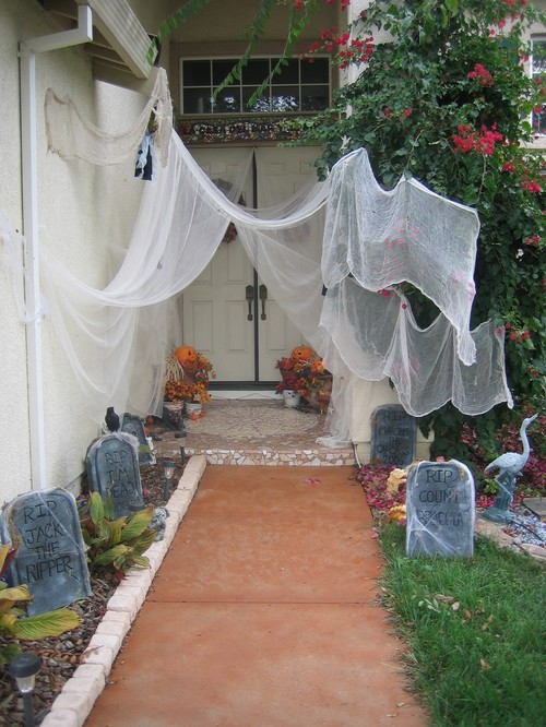 Halloween party ideas ideas for home garden bedroom - Decoration halloween maison ...