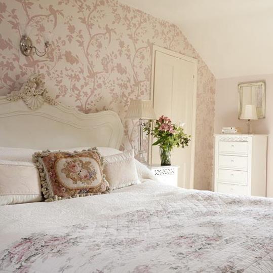 Rustic floral bedroom  Country Bedrooms Ideas Ideas for Home Garden Bedroom  Kitchen. Garden Bedroom Ideas