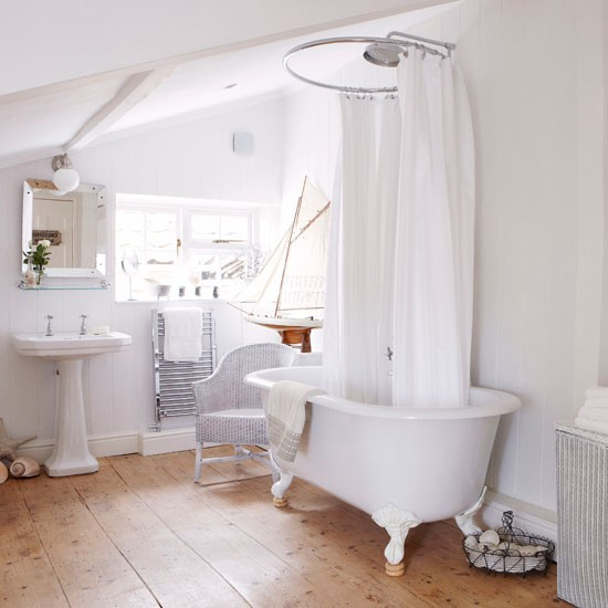 Country bathrooms 10 of the best ideas for home garden for Small victorian bathroom design
