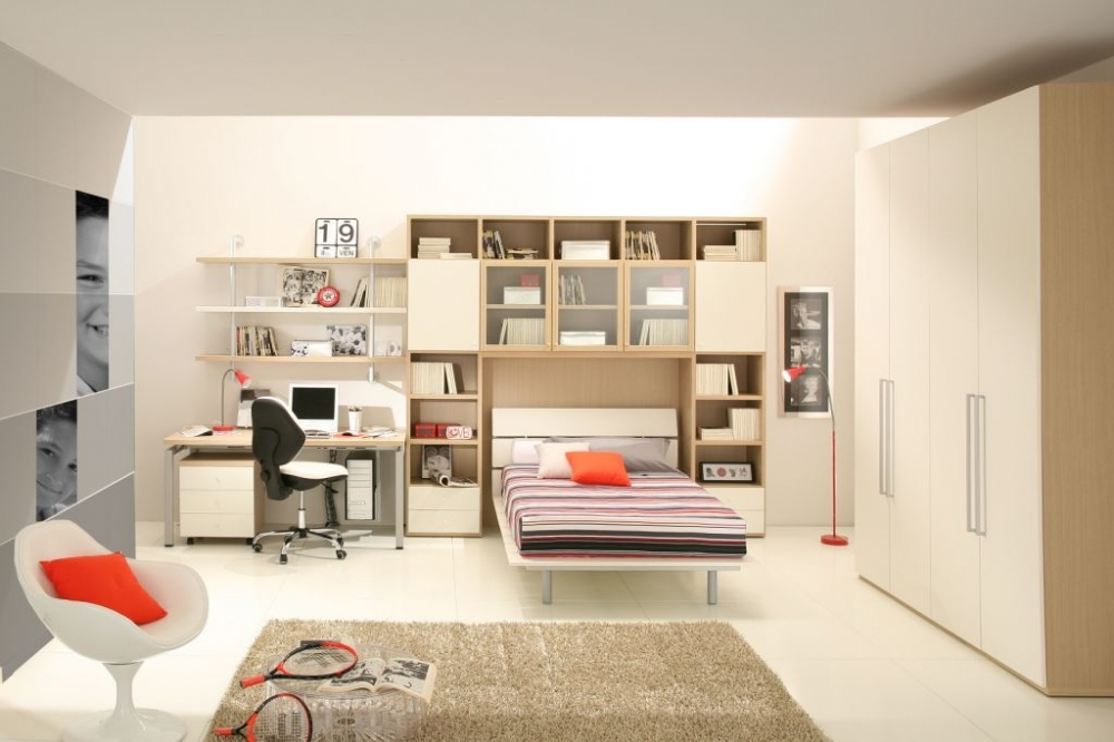 Children   S Room With A Large Free Area In The Center Of The Room