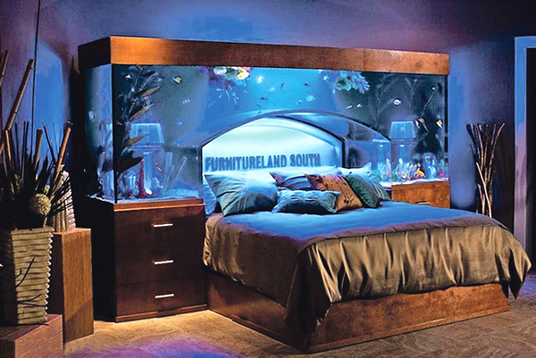 Creative design bed from wayde king and brett raymer for Fish tank bedroom ideas