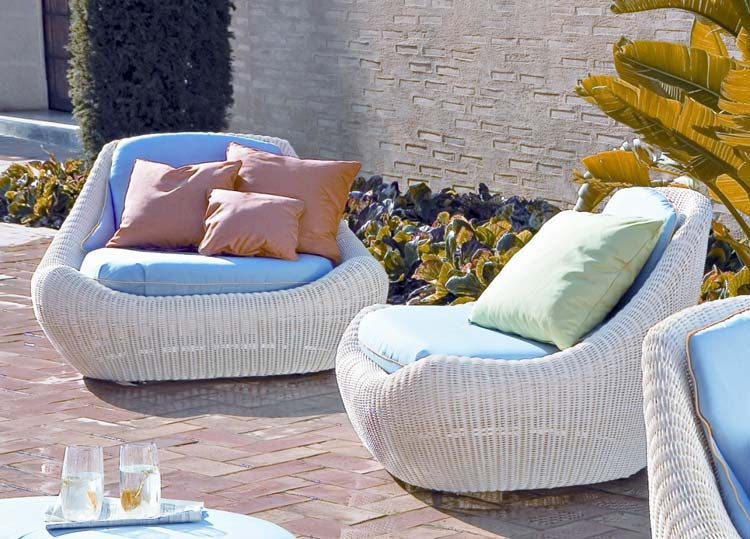 1-wicker-garden-furniture