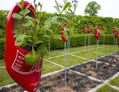 Fun garden decor home design and decorating fun garden ideas cadagu garden idea workwithnaturefo