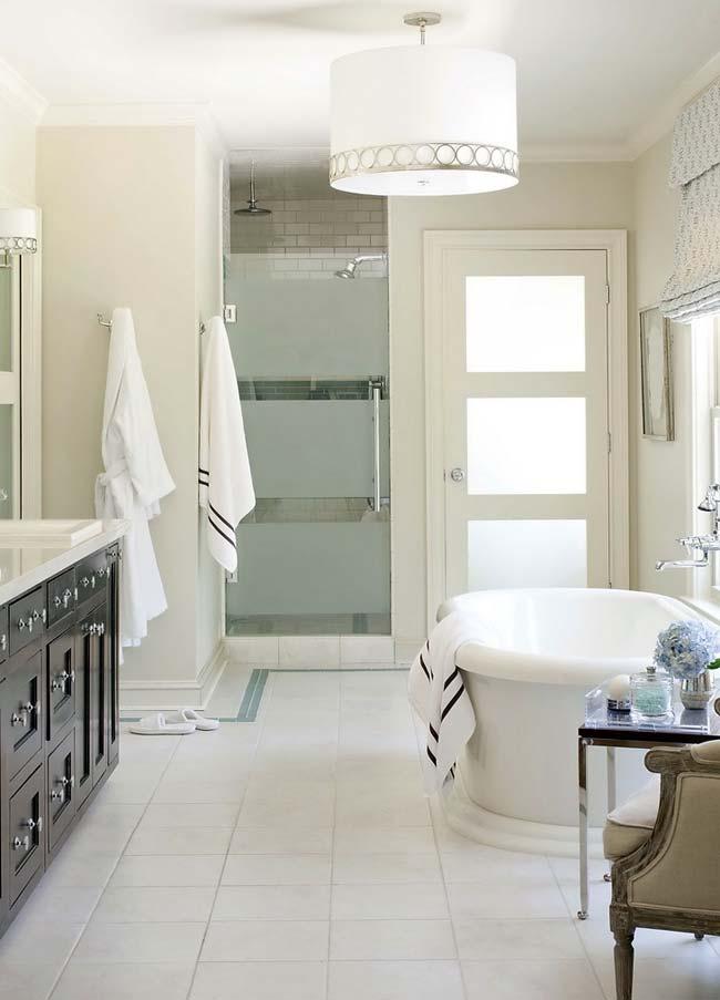 Bright bathroom interior ideas for home garden bedroom for Bright bathroom designs