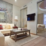 Studio apartment with maroon-purple details