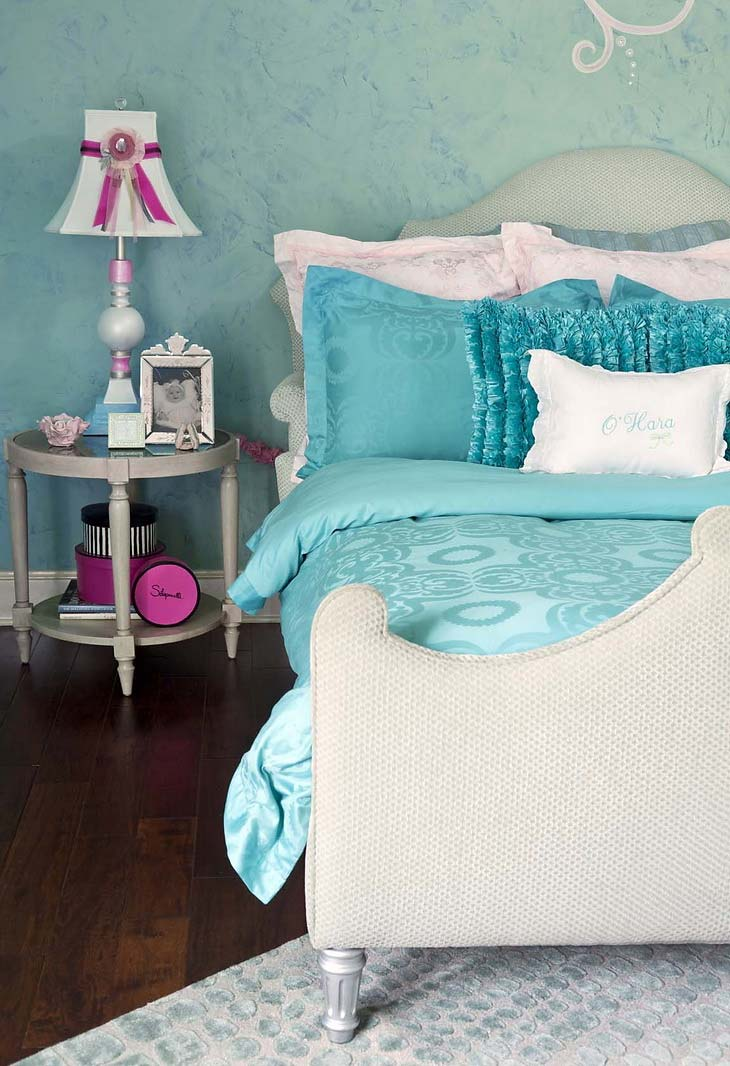 Turquoise children s room for girls ideas for home for Aqua bedroom ideas