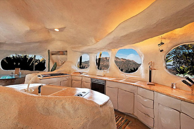 Flintstones house in malibu ideas for home garden for Quirky home interiors