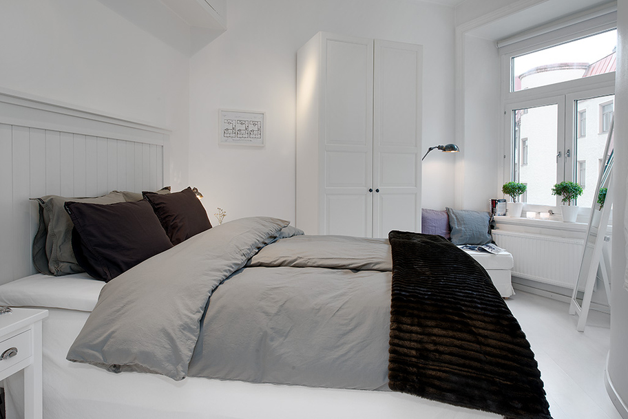 7-white-bedroom