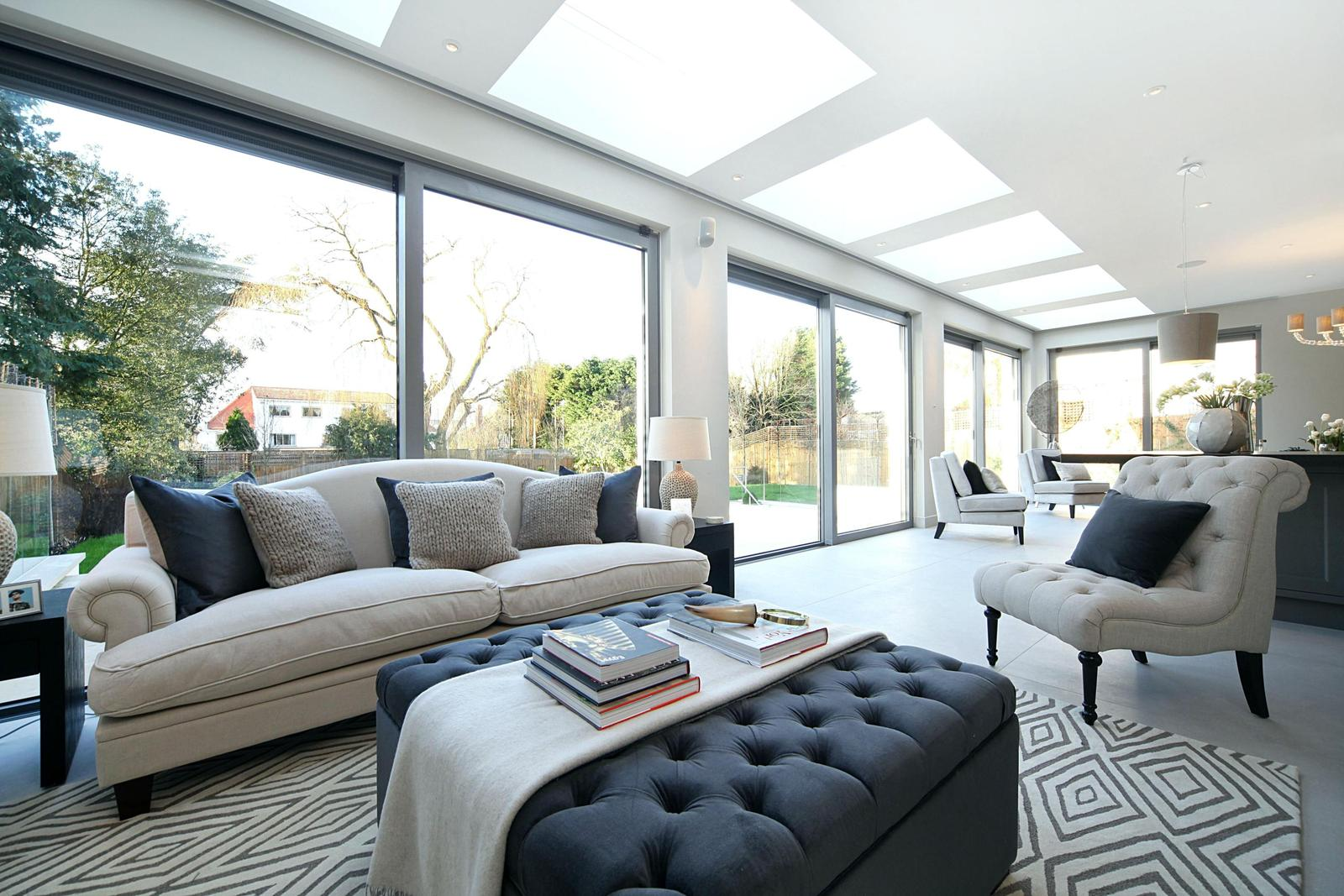 The most luxurious house in london roehampton gate for Garden home interiors