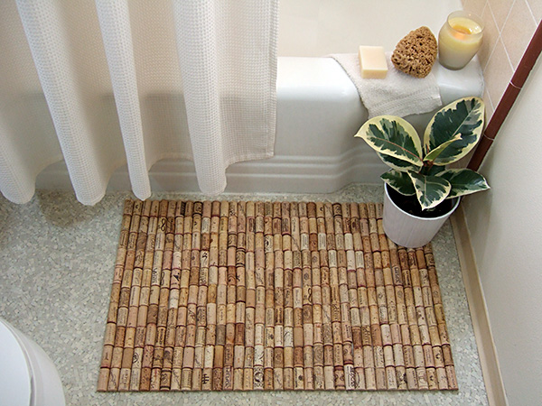 Bath mat from wine corks ideas for home garden bedroom for Ikea badeinrichtung