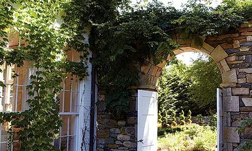 1-Beautiful green arch