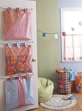 1-beautiful-house-pockets-convenient-shelf