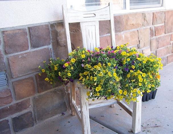 1-chair-stand-flowerpot