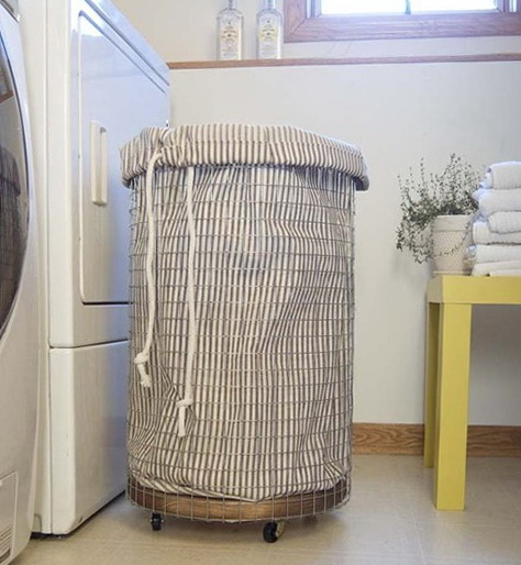 The homemade laundry basket from the building grid