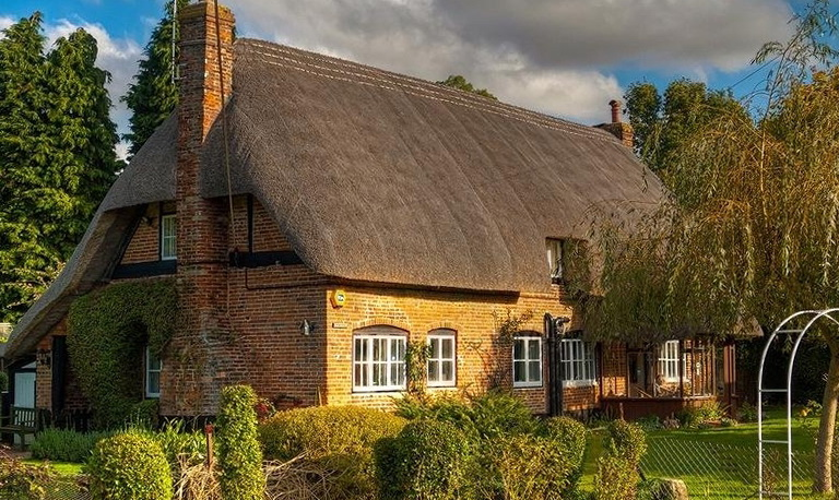 Interior Cozy Homes cozy homes county of hampshire ideas for home garden bedroom england