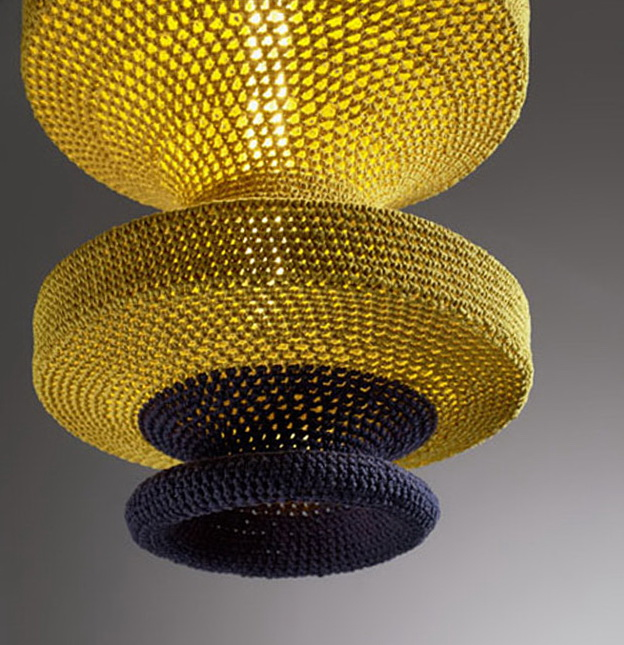 1-knitted-chandeliers-gluck-sonne-hanna