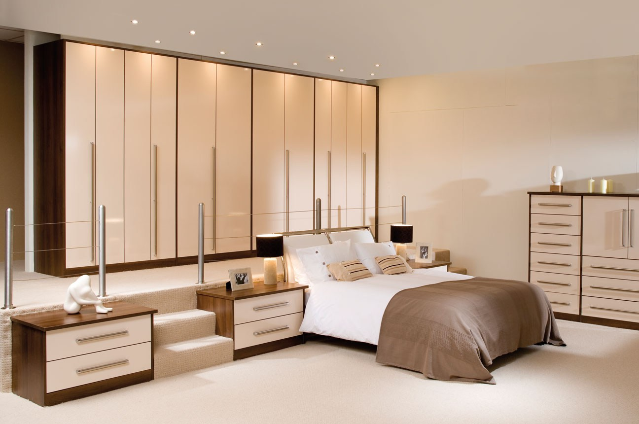 What to look for in a fitted bedroom ideas for home for Fitted bedroom ideas for small rooms