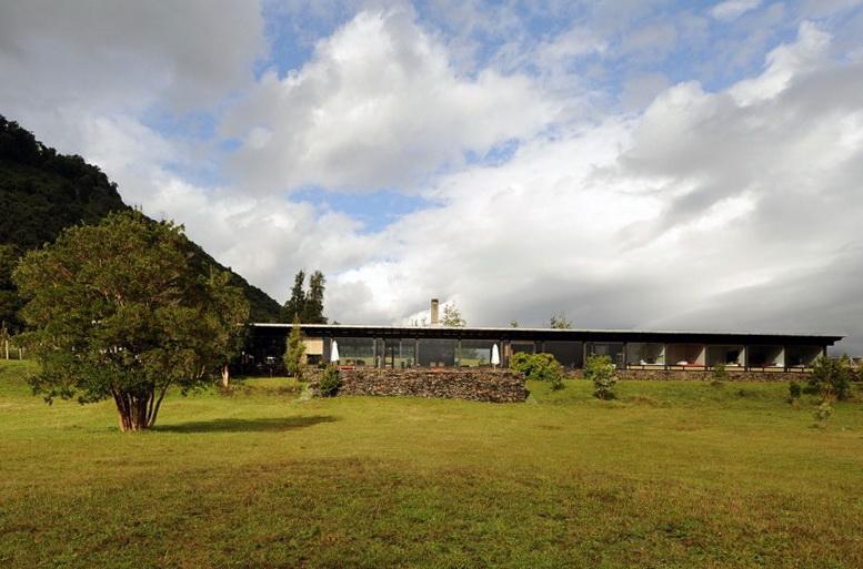 1-izquierdo-lehmann-architects-design-idea-modern-house