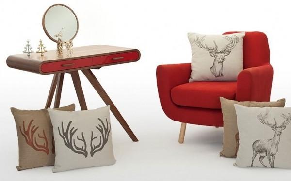 1-cushions-showing-christmas-motifs