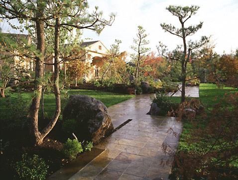1-japanese-garden-mediterranean