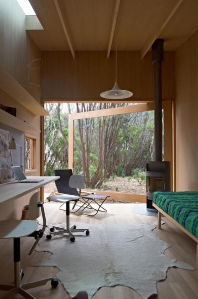 1-pirates-bay-house-wooden-house-australian-architects