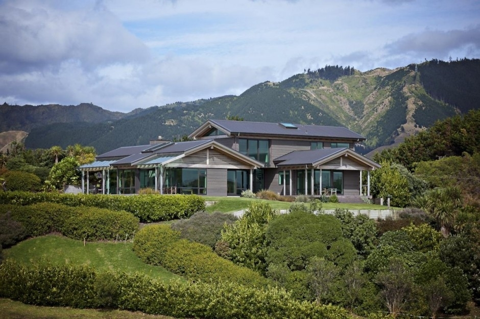 1-space-mansion-te-horo-zealand