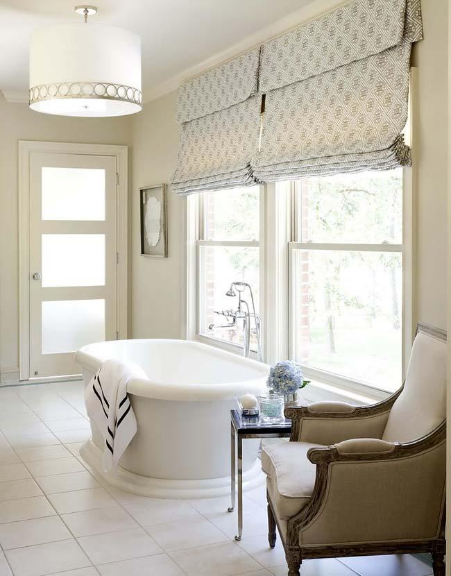 1-bright-bathroom-interior
