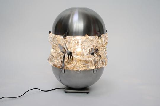 1-lamp-of-unnecessary-utensils