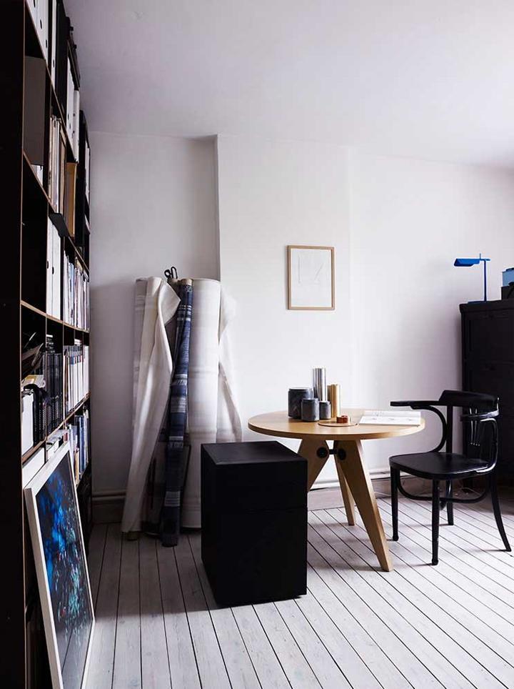 1-black-chair