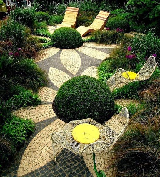 1-cheerful-garden