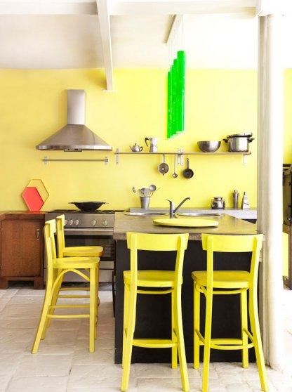 1-bright-sunny-kitchen