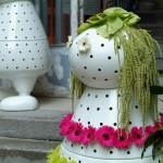 Designer vase in the form of little people