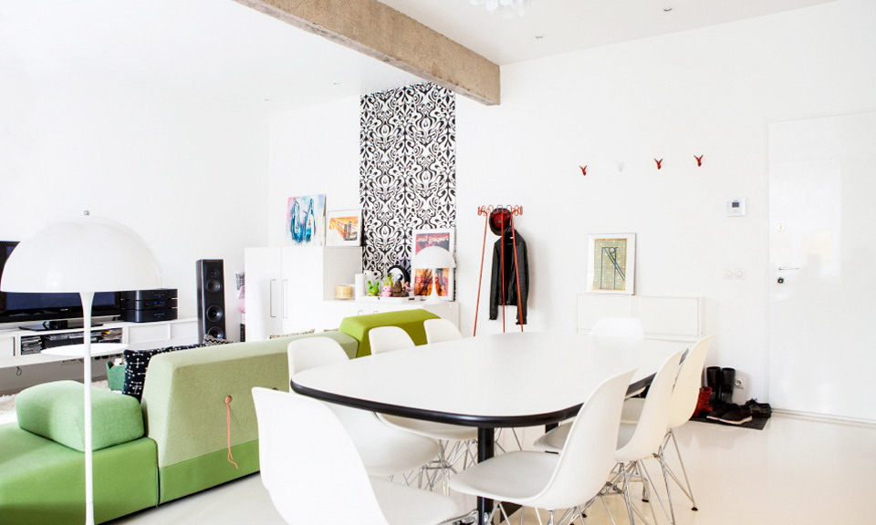 1-two-room-apartment-white-walls