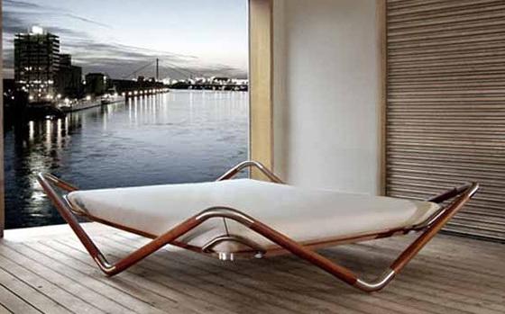 1-amazing-floating-bed