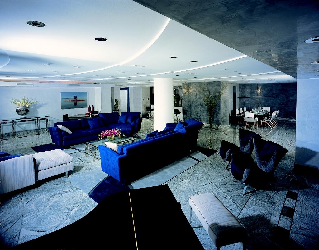 1-large room