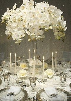 1-summer-reason-decorate-table-bright-flowers