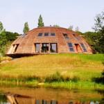 """Rotating Eco house """"Domespace"""""""