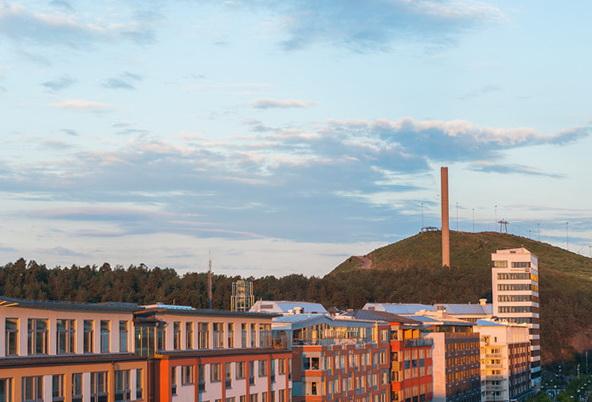 1-beautiful-apartment-stockholm-post-industrial-area-circular-balcony