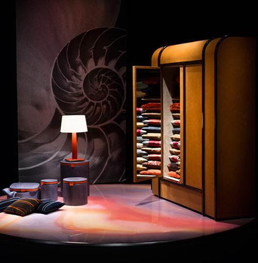 1-unique-collection-furniture-armani-casa